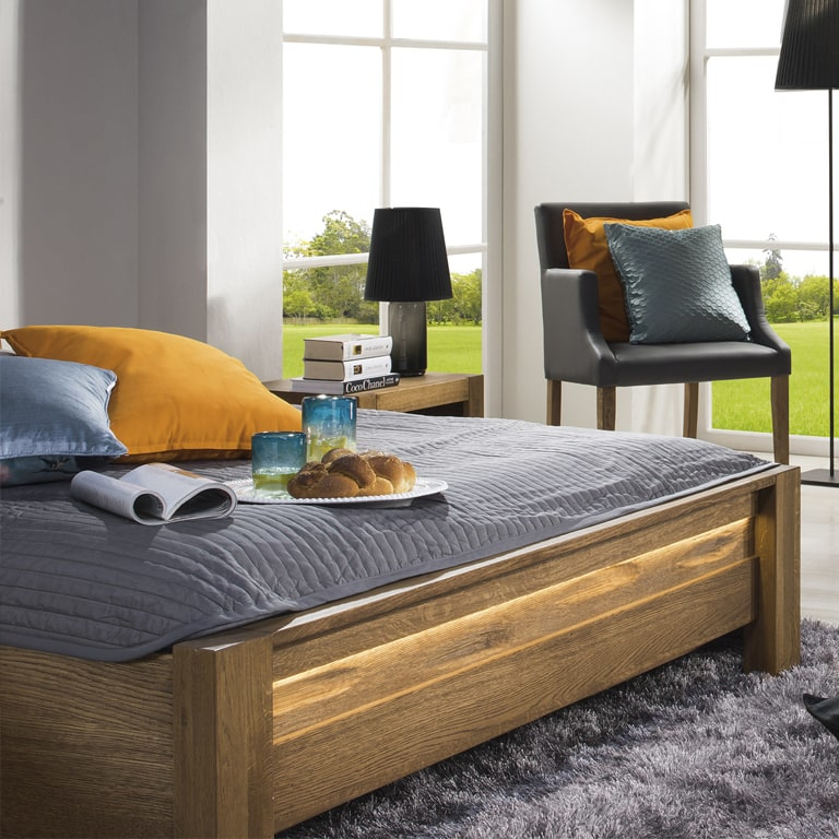 Łóżko drewniane z pojemnikiem czy bez?