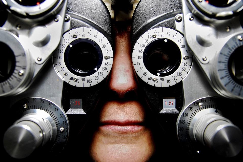 Jak często należy chodzić do okulisty?