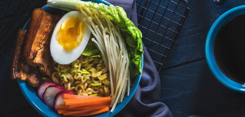 Ramen - sposób jedzenia i przepis