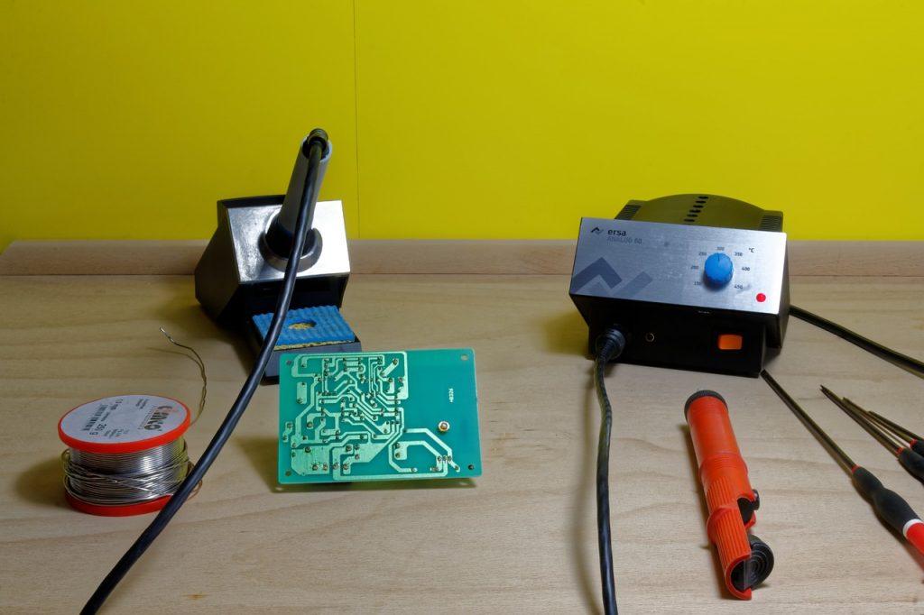 budowanie układów elektronicznych
